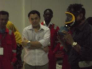 Simulasi pemakaian masker canister